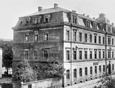 "Main building of the Veterinary college in Dresden, Zirkusstraße 40, around 1890. Source: History of Leipzig University 1409-2009, Volume 4 ""Faculties, Institutes, Central Facilities"", 2nd half volume"