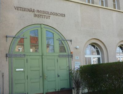 Vordereingang des Instituts